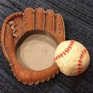 """HP 🎈🎊🎉Fetco baseball and glove frame. 3""""x 4"""""""
